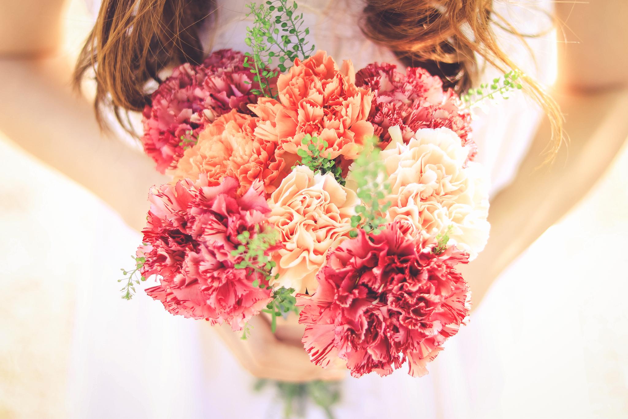 母の日に贈りたいカーネーションの色は?意外な花言葉を持つ色に注意!
