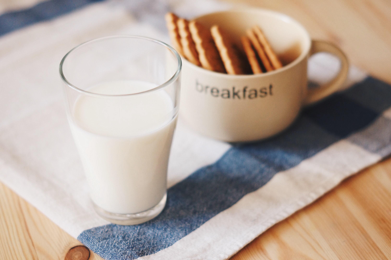 豆乳では胸は大きくならない?バストアップに効果的な飲み方とは?