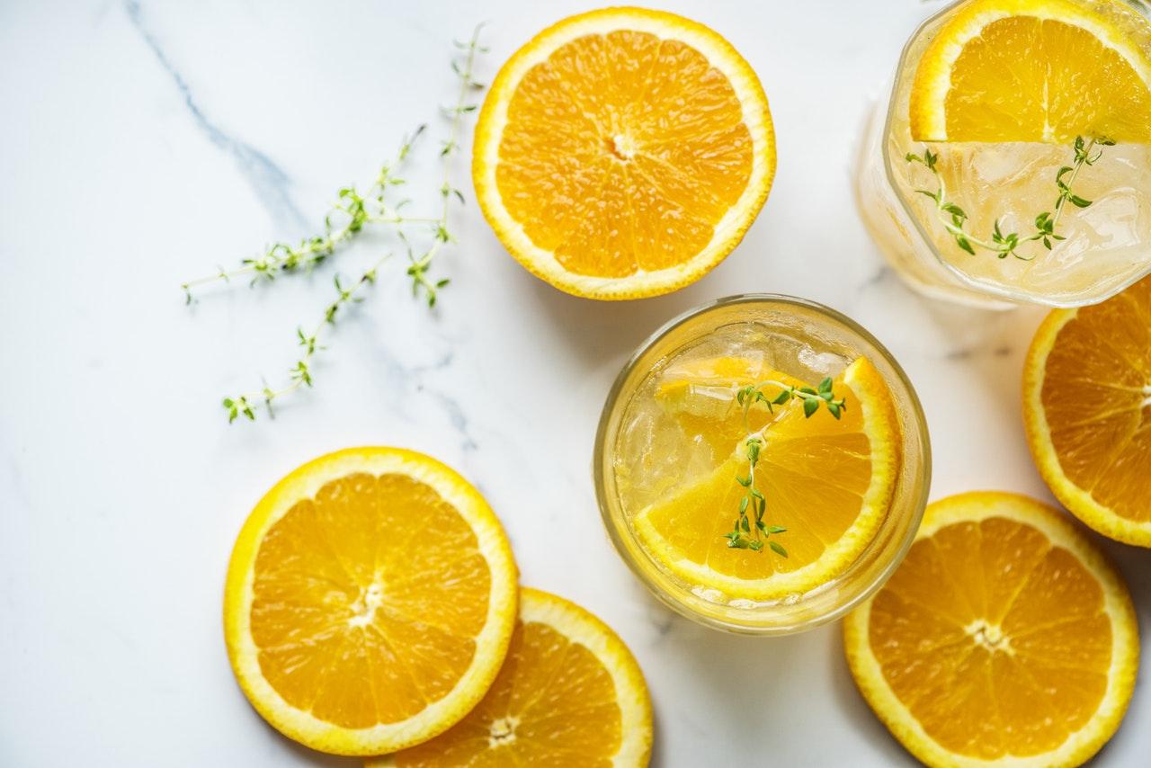 ネーブルオレンジの切り方はスマイルカット♪手で簡単にむく剥き方も