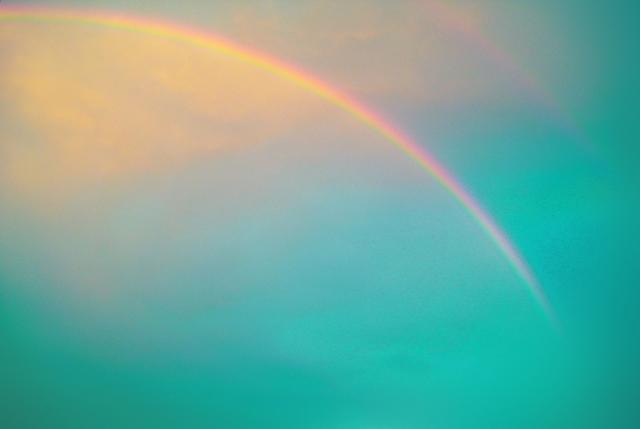ムーンボウ(ムーンボー)って何?見ると幸せになれるという月虹とは