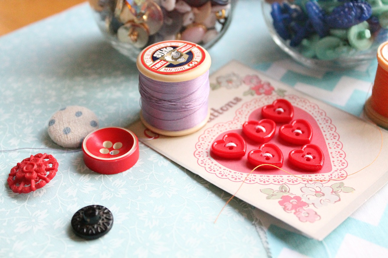 くるみボタンで作るヘアゴム♪簡単なゴムの付け方は?【画像あり】